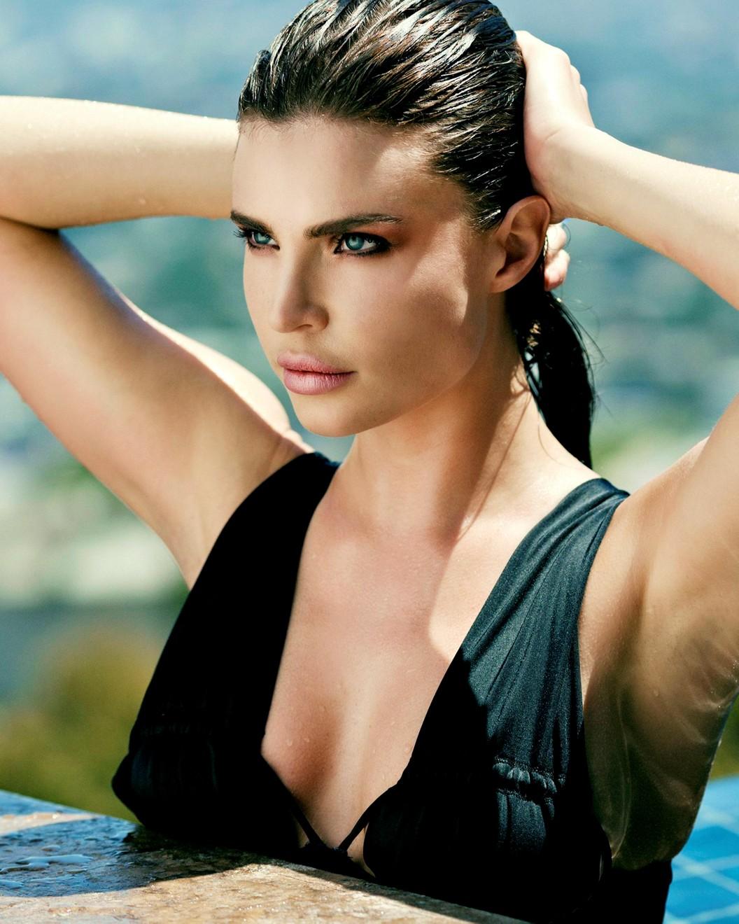 Julia Lescova, face, headshot, red hot