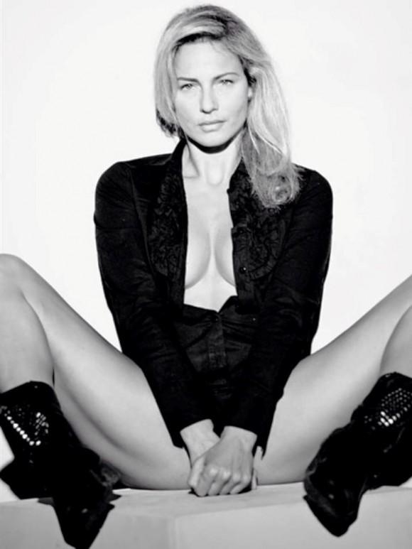 Francesca Ruocco legs spread