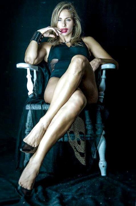 Francesca Ruocco legs