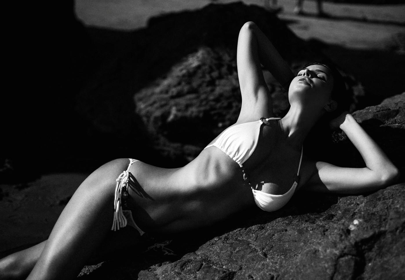 Julia Lescova, red hot, beach, LA