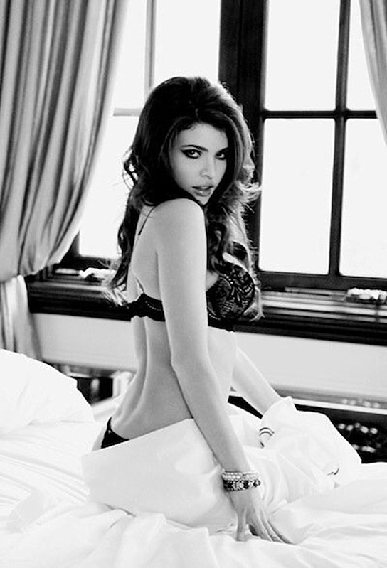 Julia Lescova, lingerie, top, red hot