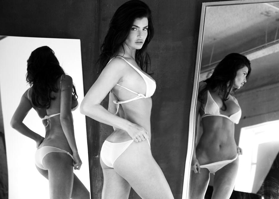 Julia Lescova, body, photo, model, red hot
