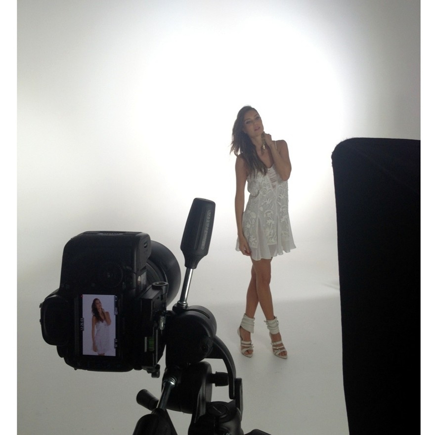 Julia Pereira behind the scenes 13