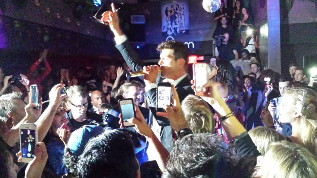 ROBIN THICKE: TREATS! MAGAZINE AT NO. 8 + fashion week + New York + singer