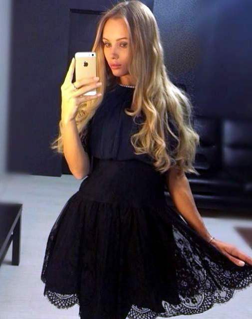 HOT SOCIAL MEDIA BABE OLYA ABRAMOVICH HEATS UP FACEBOOK ...