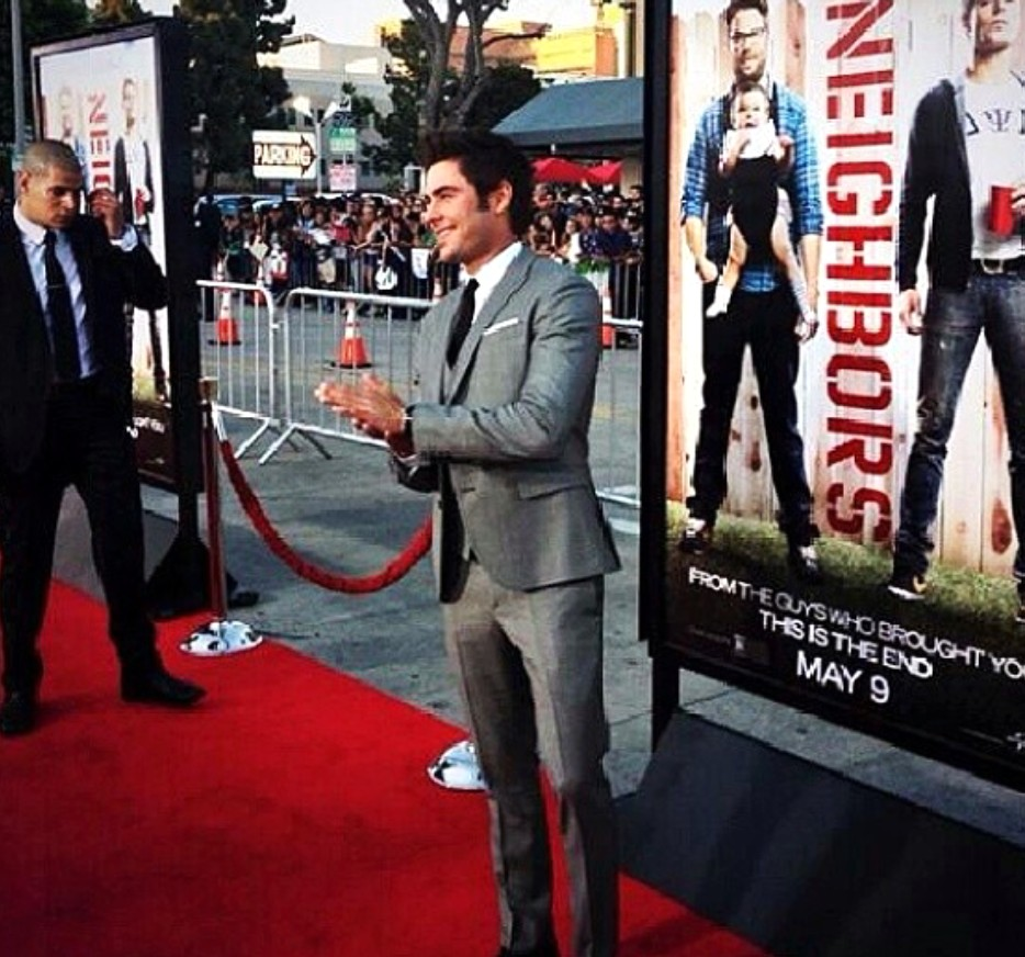 Neighbors Premiere Zac Efron