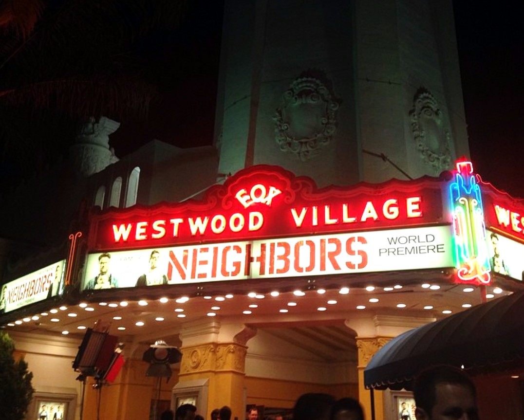 Neighbors Premiere