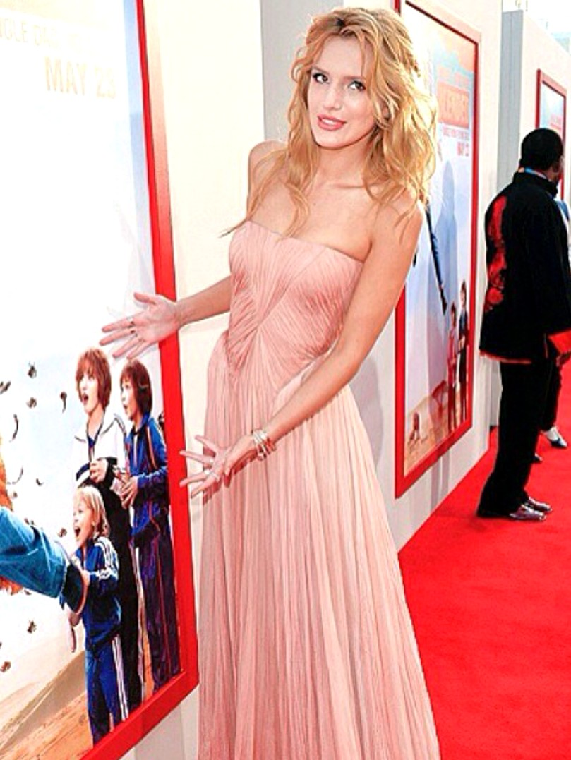 Blended movie premiere, Bella Thorne