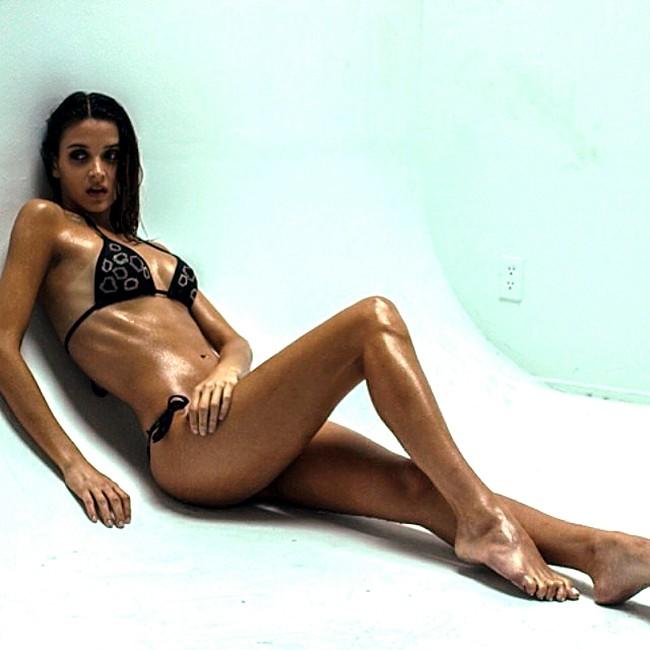 Tatiane De Souza sexy swim