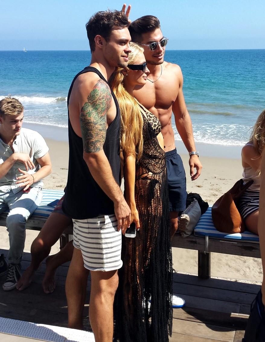 Paris-Hilton-Beach-Party-BBQ-models