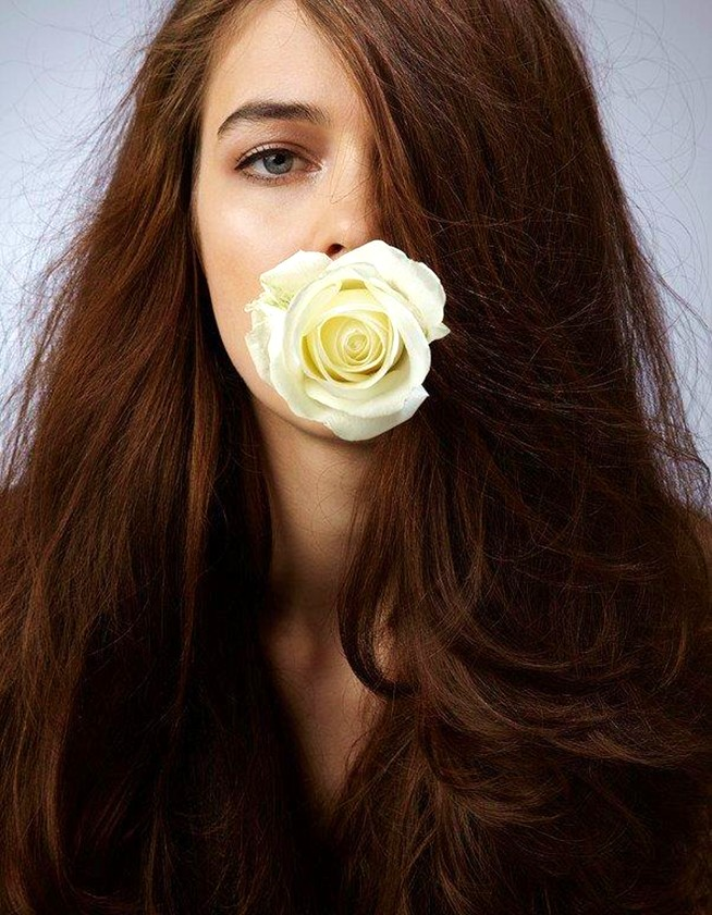 Iulia Cirstea, flower girl