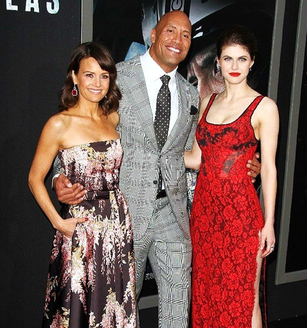 San Andreas movie, Carla Gugino, Dwayne Johnson, Alexandra Daddario 2