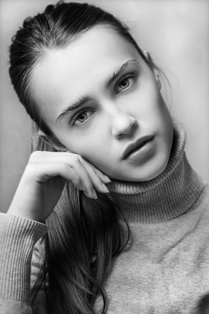 Anna Zaton 19