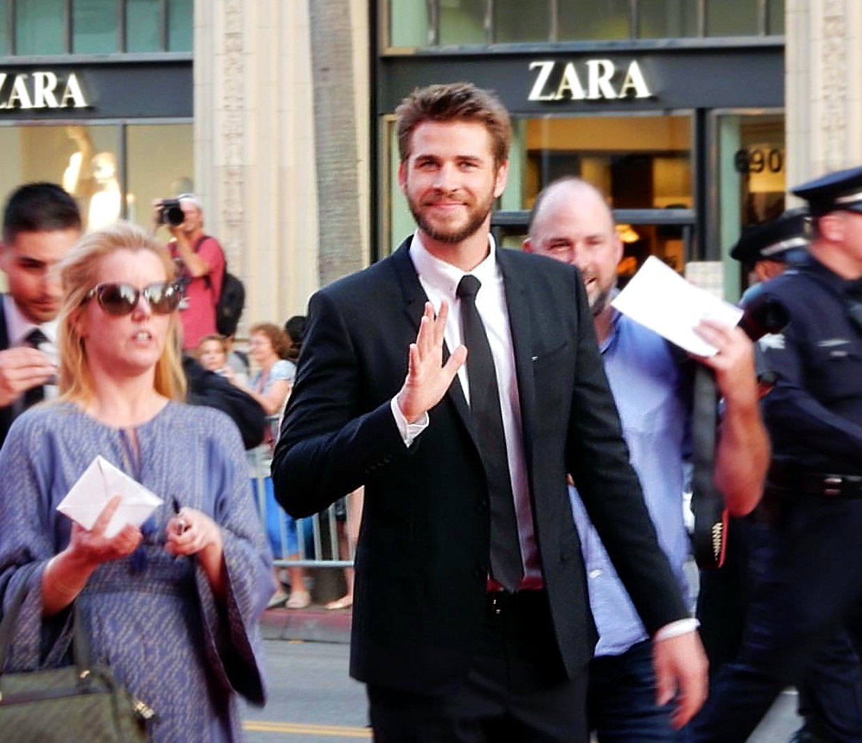 Independence Day Resurgence, Liam Hemsworth, movie premiere
