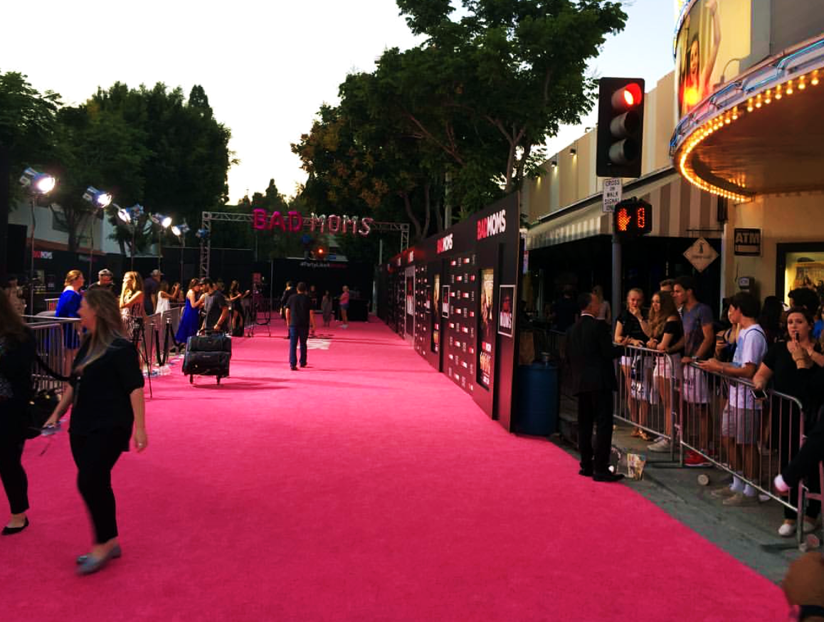 Bad Moms, pink carpet, red carpet, premiere